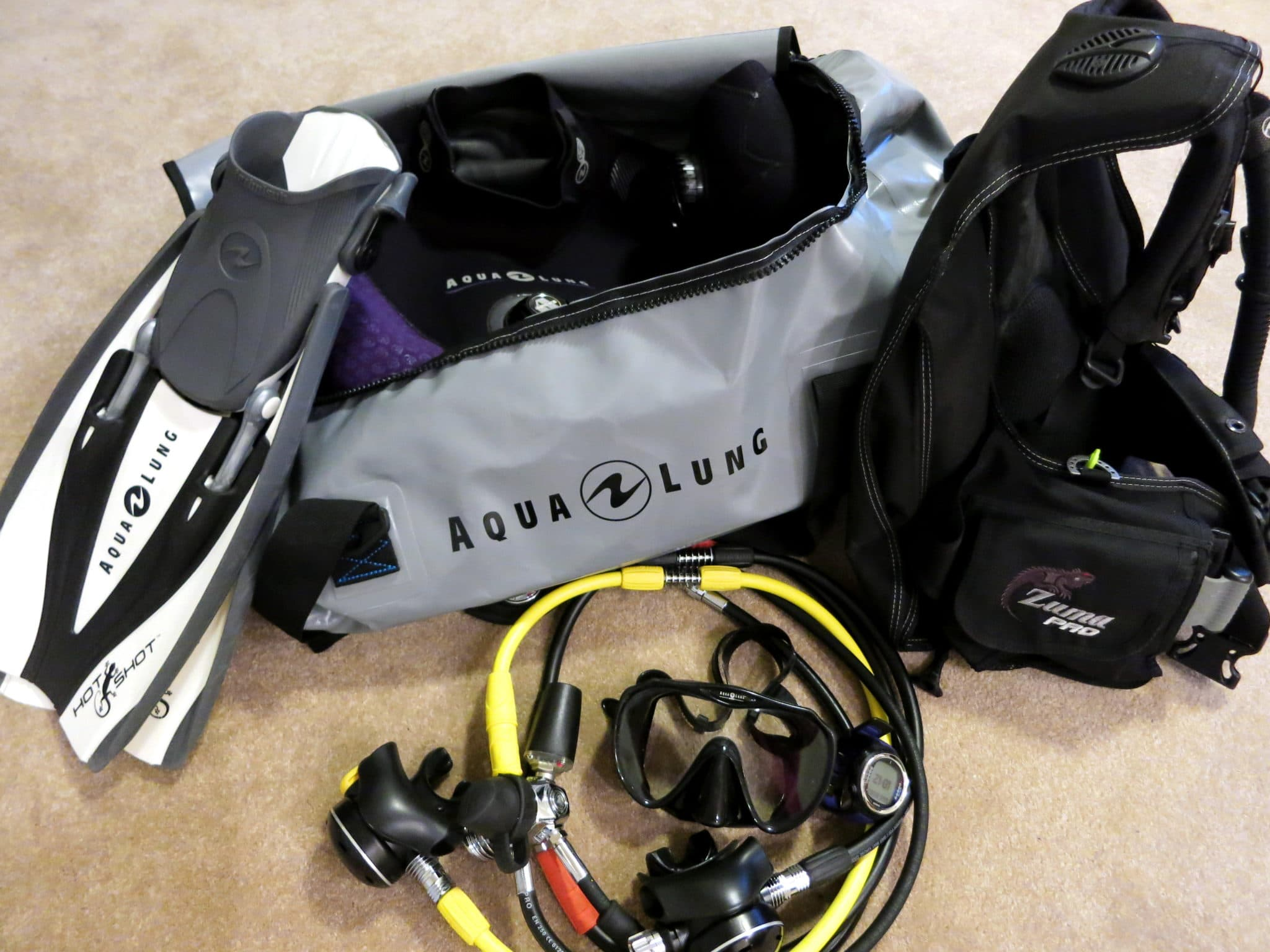 Scuba Diving Gear For Cold Water